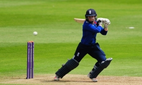 tammy-beaumont-270616_0